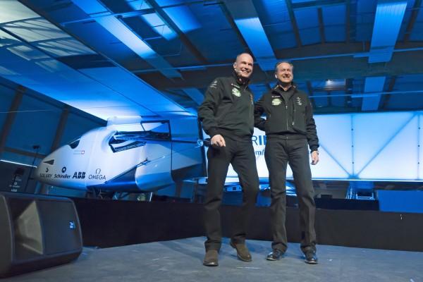 Andre Borschberg i Bertrand Piccard podczas oficjalnej prezentacji Solar Impulse 2