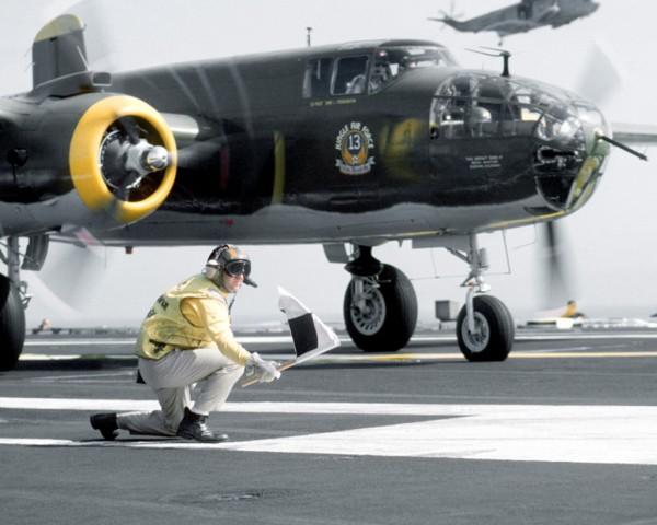 Start z pokładu USS Ranger