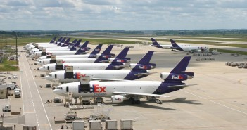 Samoloty FedEx w Indianapolis (fot. airlinespottersforum.com)