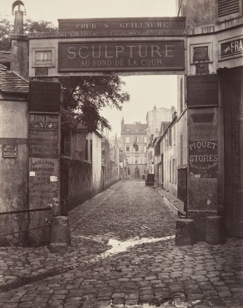 Cour Saint-Guillaume 1866-1867 (fot. Charles Marville)