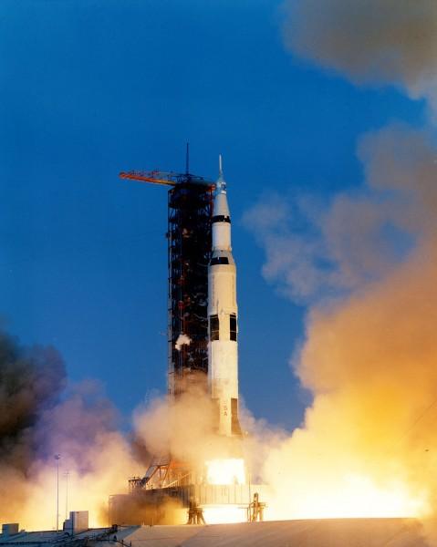 Start rakiety Saturn V z misją Apollo 13 (fot. NASA)