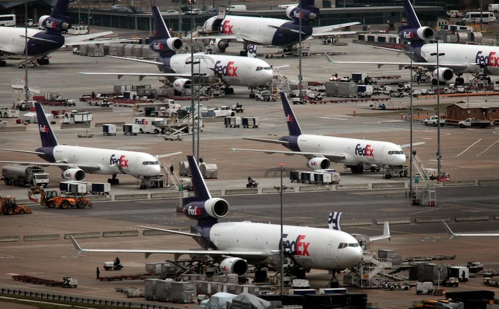 Samoloty FedEx w Memphis (fot. Jim Weber)