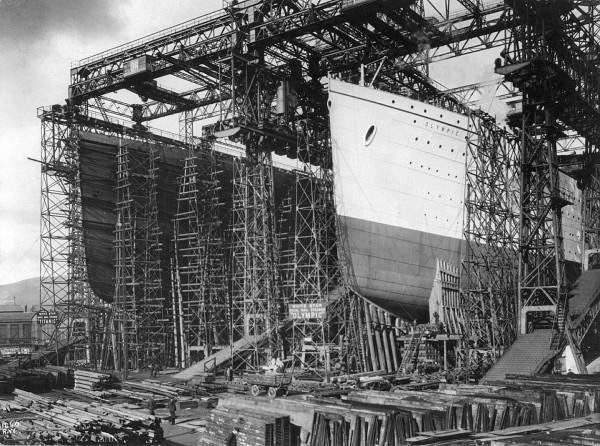 Titanic i Olympic podczas budowy