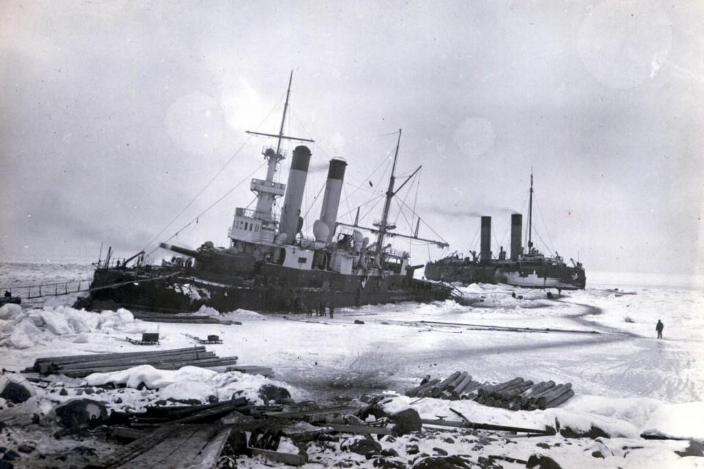 Jermak podczas wyciągania krążownika Gromoboj