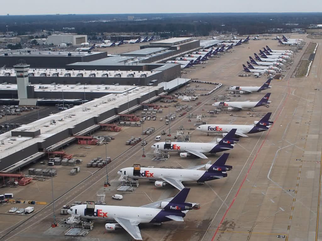 Samoloty FedEx w Memphis (fot. M.V. Jantzen)