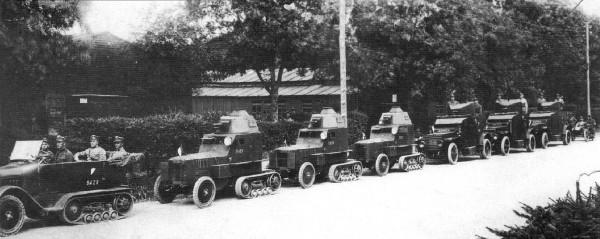 Wozy pancerne wz. 28 na podwoziu B2 10CV oraz samochody pancerne Peugeot model 1918