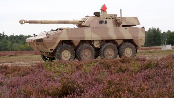 Przykład współczesnego polskiego kołowego wozu wsparcia ogniowego Wilk na podwoziu transportera KTO Rosomak (fot. CMI)