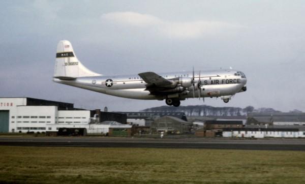 C-97J Turbo Stratocruiser - na jego bazie powstawały samoloty serii Guppy
