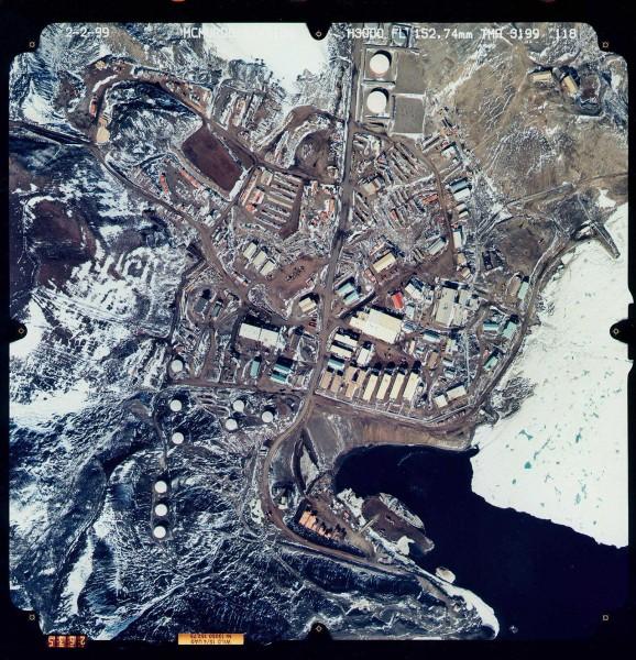 Baza McMurdo sfotografowana 2 lutego 1999 roku z powietrza