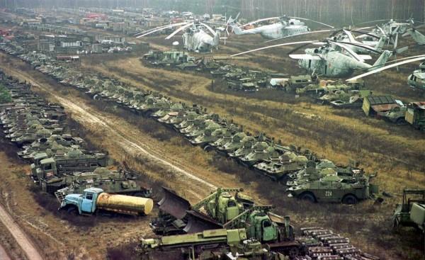 Cmentarzysko pojazdów (fot. webdiscover.ru)