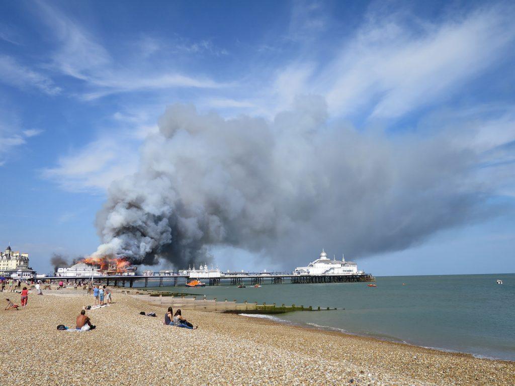 Eastbourne Pier (fot. Rowan Stanfield)