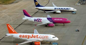 Samoloty tanich linii lotniczych Easy Jet, Wizz Air i Ryan Air na lotnisku w Budapeszcie (fot. Sandor Szabo)