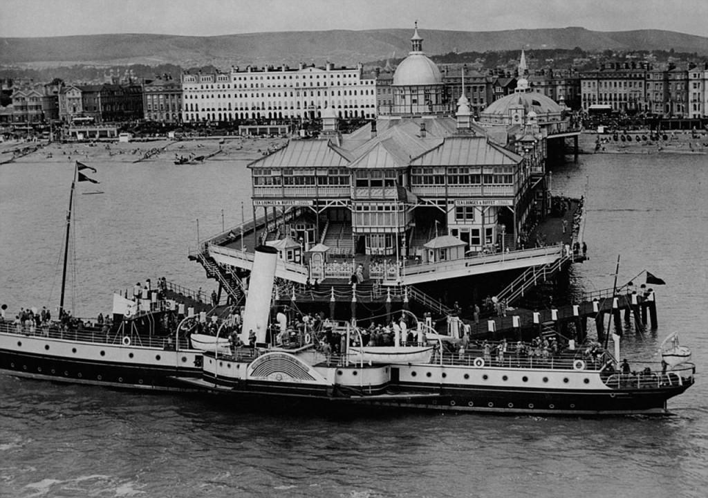 Molo Eastbourne w 1936 roku (fot. Associated Newspapers)