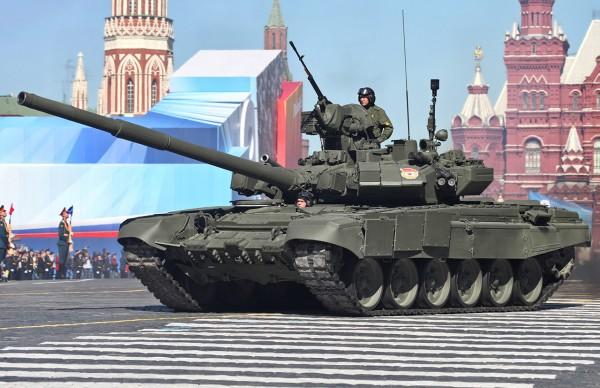 T-90A na paradzie w 2013 roku (fot. Wikipedia)