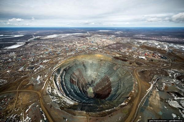 Kopalnia diamentów Mir w Rosji (fot. Gelio)