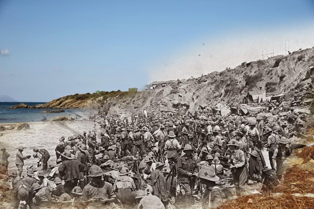 Brytyjscy żołnierze zaraz po lądowaniu w zatoce Suvla (fot. Hulton Archive/Sean Gallup)