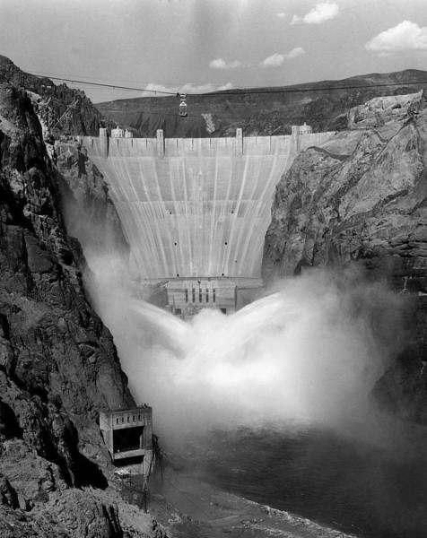 Spuszczanie wody z jeziora Mead