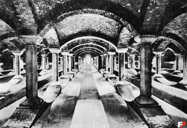 Filtry Lindleya - hala filtrów powolnych - w 1928 roku (fot. fotopolska.eu)