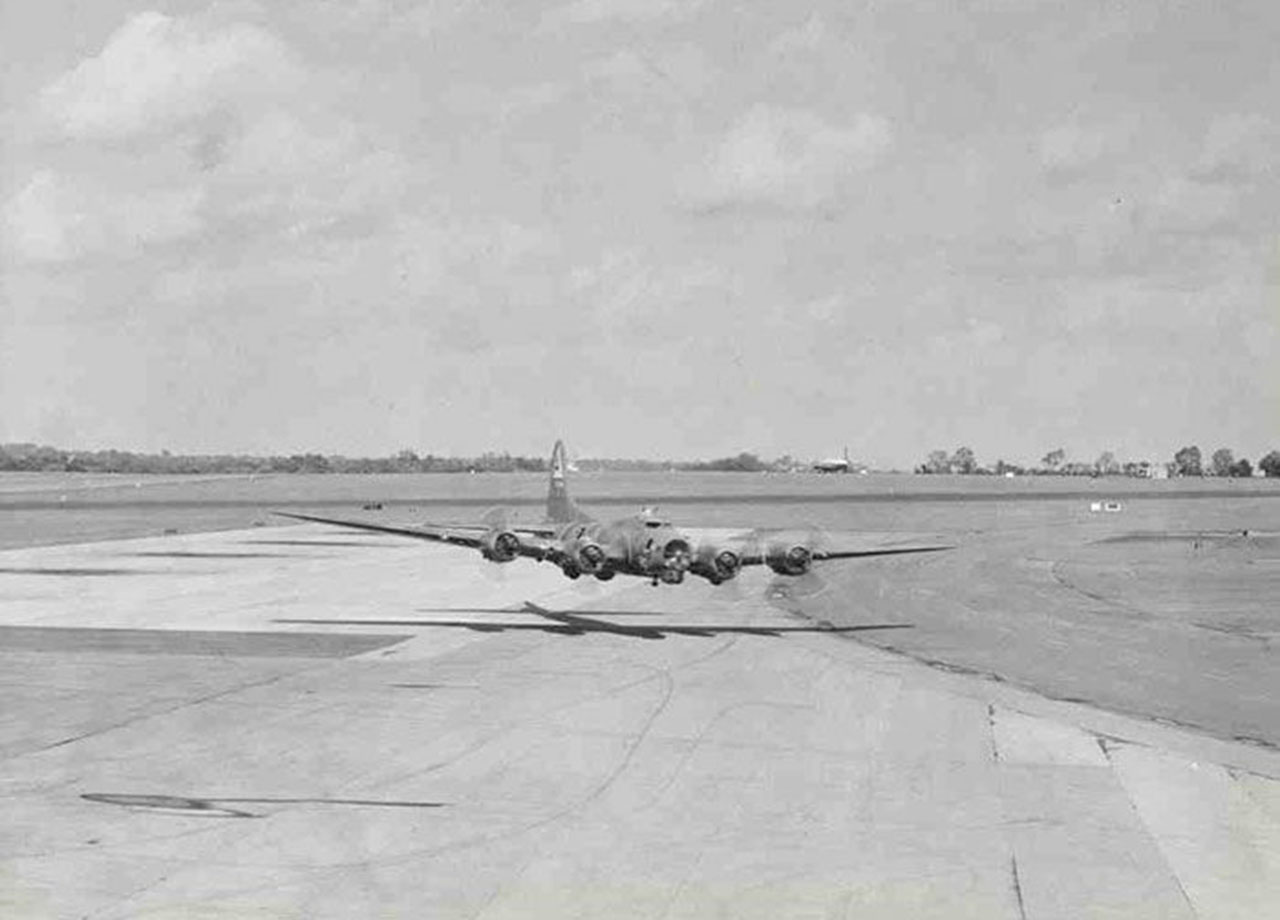 "Low Pass of a Boeing B-17 'Flying Fortress' at RAF Bovingdon for the movie ""The War Lover"" (1962)"
