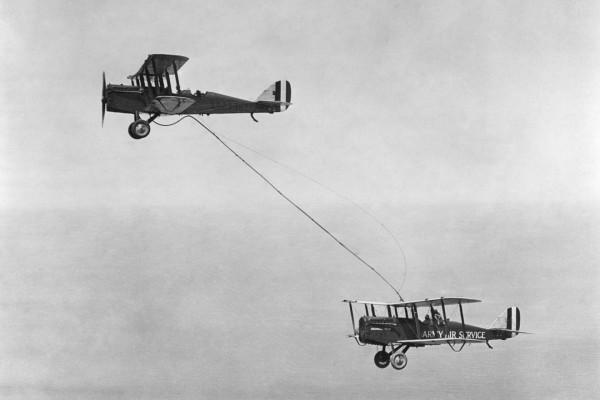 Pierwsze prawdziwe tankowanie w powietrzu - 27 czerwca 1923 roku
