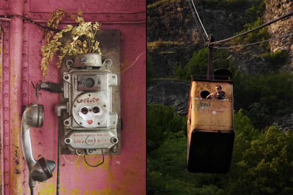 W niektórych wagonikach zostały jeszcze resztki telefonów i innego wyposażenia. W większości nie ma nawet szyb (fot. Amos Chapple/Rex Features)