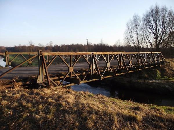 Jeden z Mostów Baileya, który przetrwał do dnia dzisiejszego