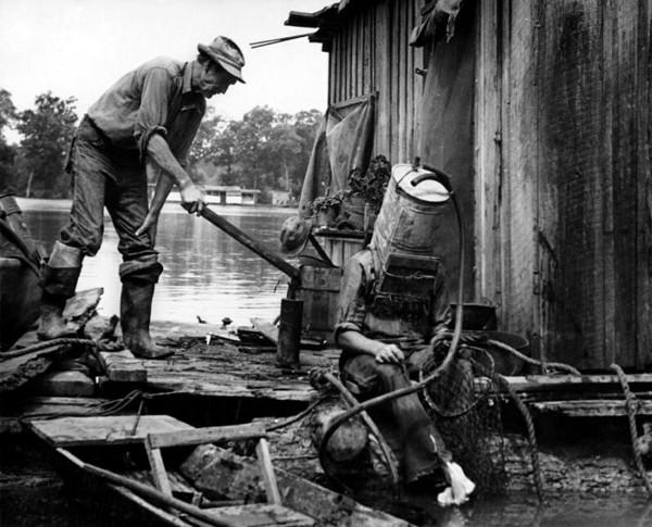 Poławiacz pereł z rzeki Missispi, USA, 1938 rok