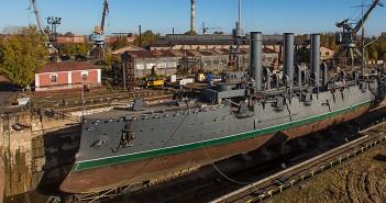 Krążownik Aurora - symbol rewolucji bolszewickiej