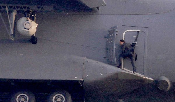 Tom Cruise podczas lotu na A400M