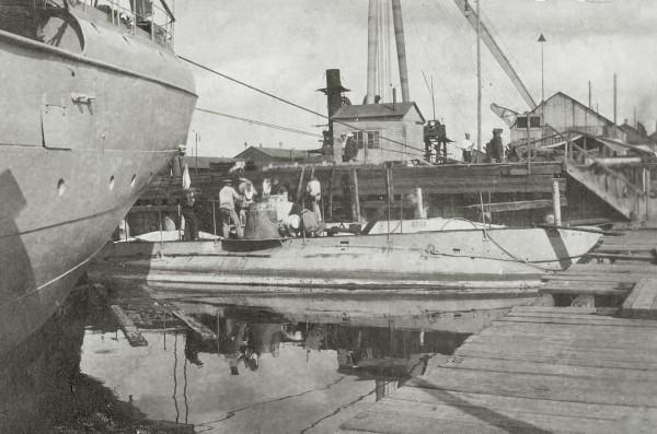 Jeden z okrętów typu Som