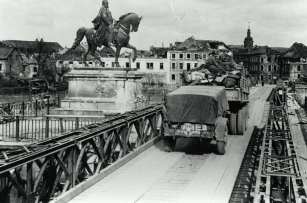 Most Baileya w Saarbrucken, 21 marca 1945 roku