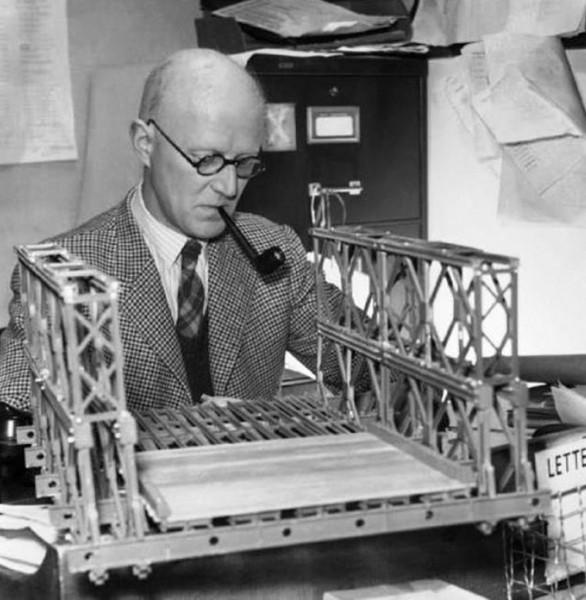 Donald Bailey, twórca mostu