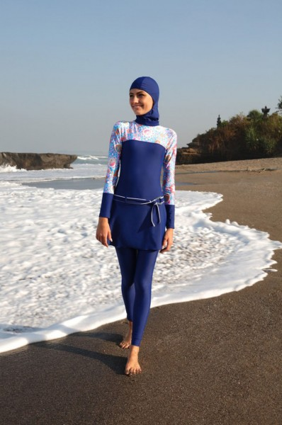 Przykład burkini (fot. hijabmelody.wordpress.com)