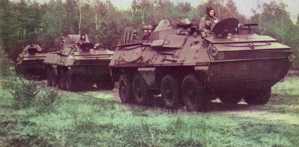Kolumna transporterów OT-64 SKOT