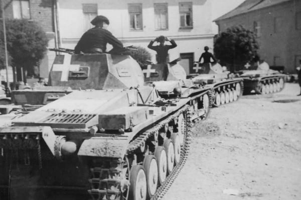 Kolumna niemieckich czołgów PzKpfw II