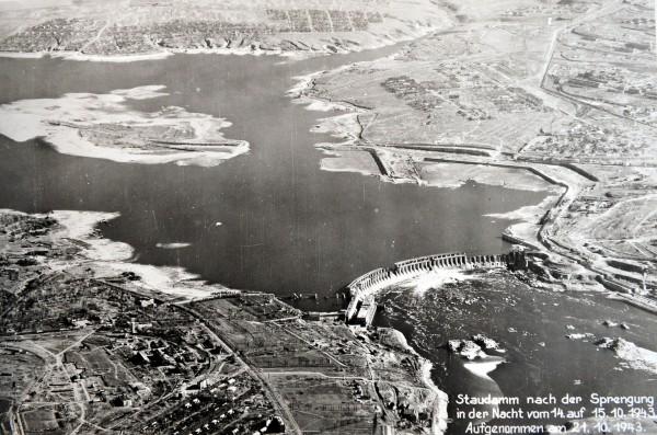 Dnieprowska Elektrownia Wodna w 1943 roku po drugim wysadzeniu