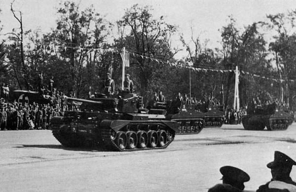 A34 Comet na paradzie zwycięstwa w 1945 roku