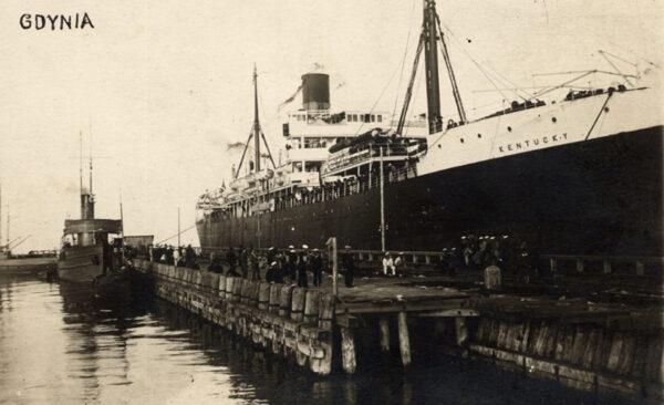 Kentucky w porcie w Gdyni, 13 sierpnia 1923 roku