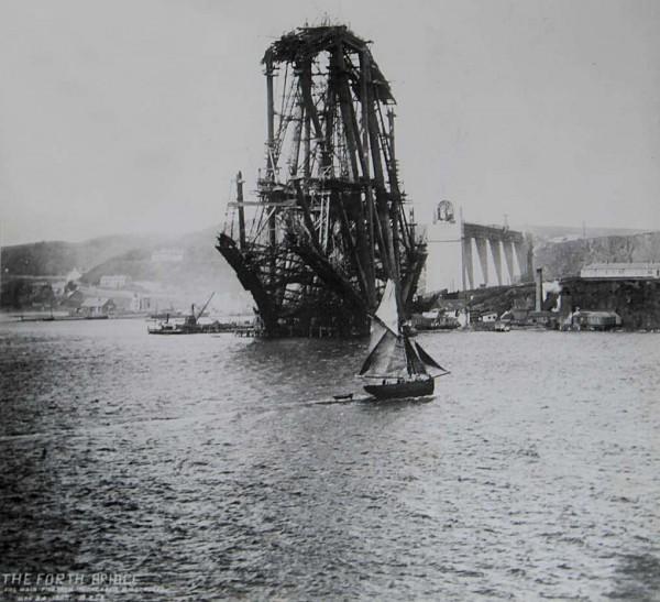 Forth Bridge podczas budowy