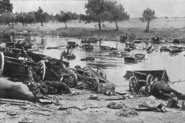 Zniszczony sprzęt Armii Poznań i Armii Pomorze po walkach nad Bzurą