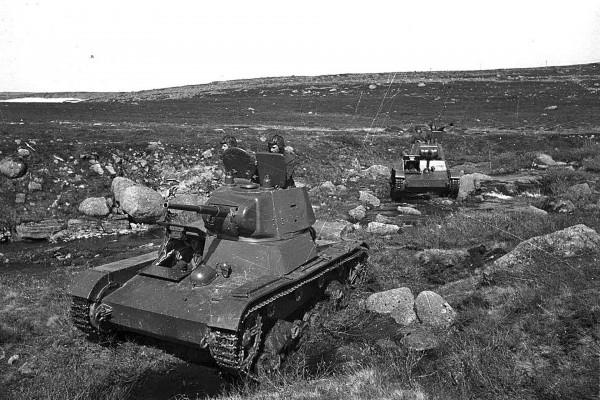 Podstawowymi radzieckimi czołgami były T-26 i BT-7