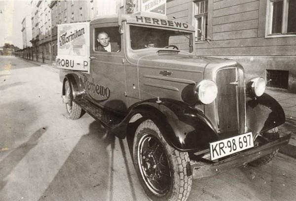 Samochód firmy Herbewo w latach 30.