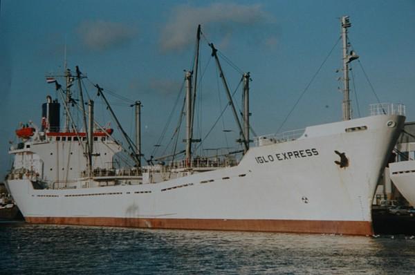 Statek jeszcze jako MV Iglo Express