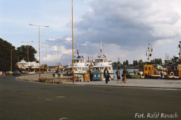 Port w Świnoujściu w 1987 roku (fot. Rafał Banach)
