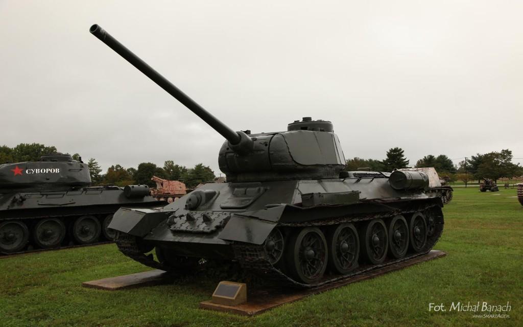 """T-34/85 w Aberdeen - amerykanie przetestowali kilka czołgów tego typu i uznali, że pojazdy te był """"wypadkiem przy pracy konstruktorów"""" (fot. Michał Banach)"""