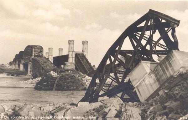 Most w Tczewie po wysadzeniu w czasie II wojny światowejMost w Tczewie po wysadzeniu w czasie II wojny światowej