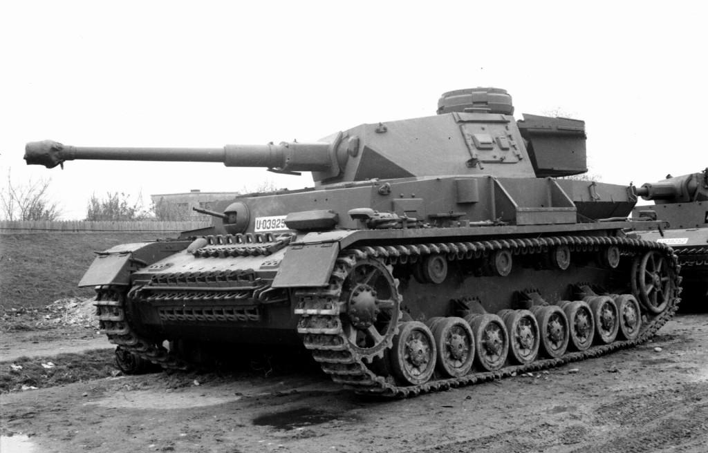 Najpopularniejszy niemiecki czołg II wojny światowej - PzKpfw IV - czy najlepszy? Zdecydowanie nie, ale mimo to był wołem roboczym Panzerwaffe