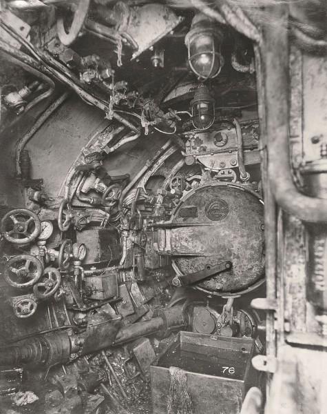 Rufowy przedział torpedowy z jedną wyrzutnią (fot. Tyne & Wear Archives & Museums)