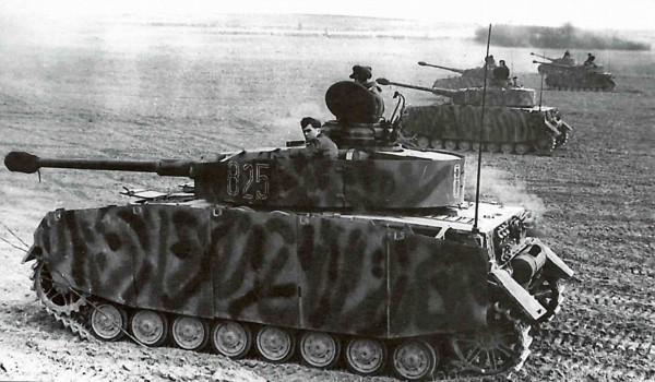 Niemiecki czołg średni PzKpfw IV Ausf H - były to ostatnie wozy tego typu jakie wykorzystywano w czasie wojny