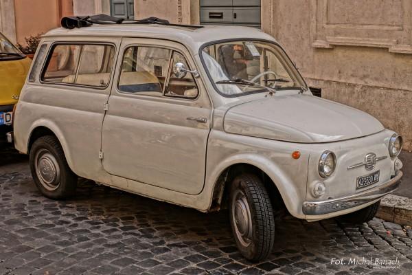 Fiat 500K Giardiniera w Rzymie współcześnie (fot. Michał Banach)